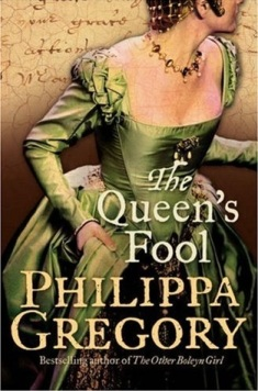 """Book cover of """"The Queen's Fool"""" by Philippa Gregory"""