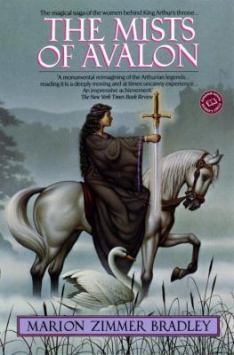 """Book cover of """"The Mists of Avalon"""" by Marion Zimmer Bradley"""